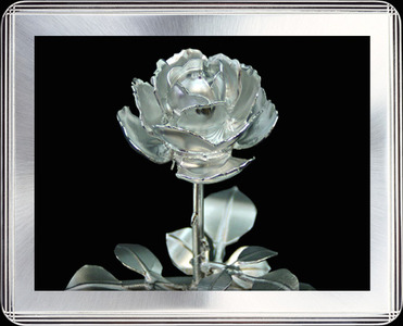 Aluminum rose made by precision cutting