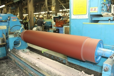 Applicator roll  for the factory
